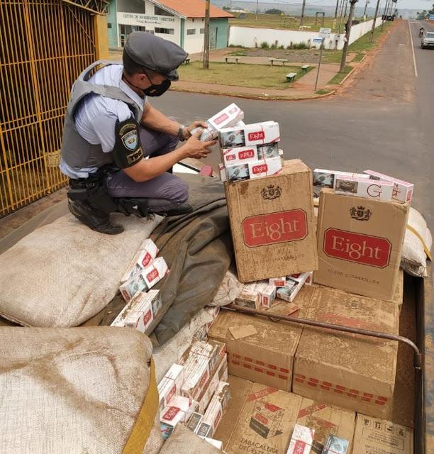 Fiscalização da Polícia Rodoviária na SP-613 apreende 250 mil maços de cigarros contrabandeados