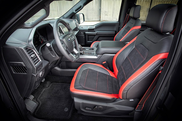 Interior view of 2016 Ford F-150 4x4 SuperCrew Lariat