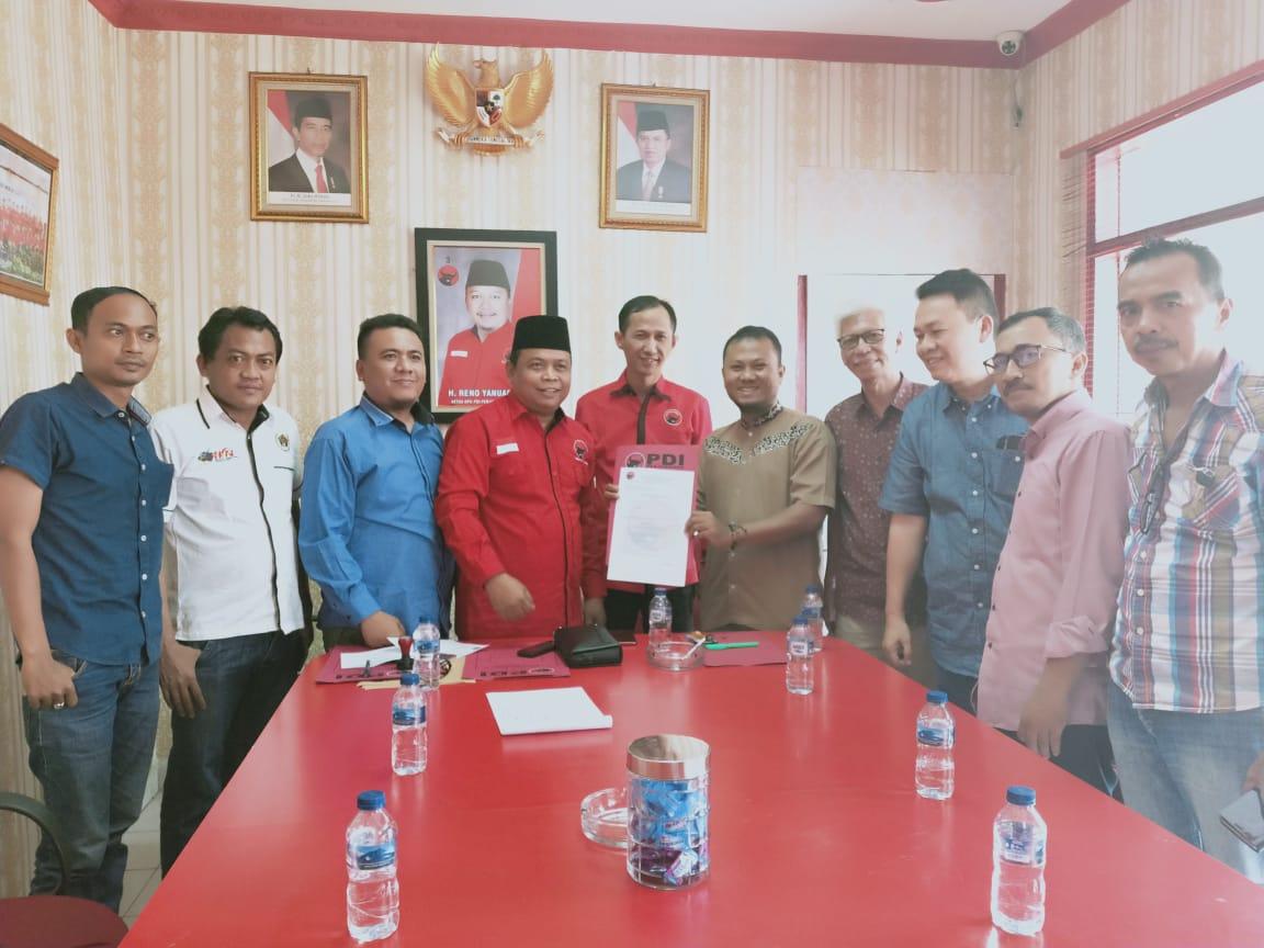 Tim Pemenangan Firdaus Ambil Formulir di PDI-P
