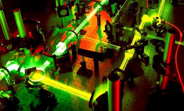 Researchers have designed the world's highest intensity laser: 100 trillion watts per cm²