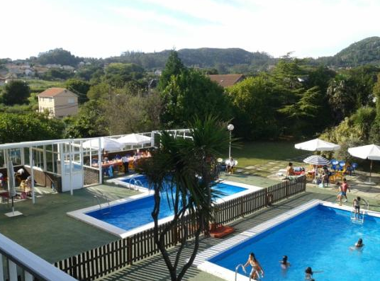 Restaurantes con piscina en vigo y alrededores for Restaurante con piscina
