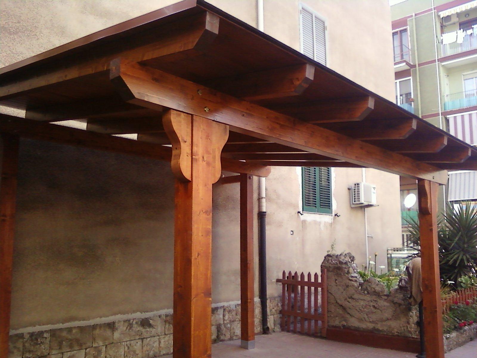 immagini tettoie in legno