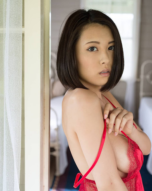 China Matsuoka Hot Pics and Bio