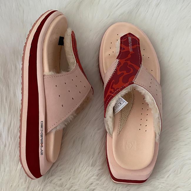 Deckers Lab KO_Z GLDTR 3 sandals