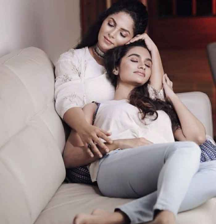 Asha Sharath's daughter Uthara is all set to make her acting debut, alongside her mom