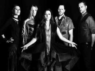 Foto de Evanescence posando para fans