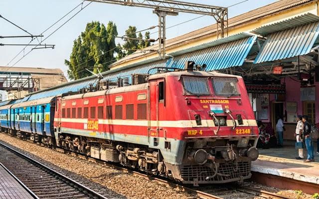 पैसे देकर रेलवे में हो सकती है नौकरी ? जान लें ये जरूरी बात, रहें सावधान