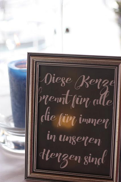 Hochzeitskerze, diese Kerze brennt für alle, Frühlingshochzeit in Pastellfarben Fliederlila und Himmelblau, Riessersee Hotel Garmisch-Partenkirchen, Bayern, heiraten in den Bergen im April, wedding venue Bavaria, mountain spring wedding lilac blue