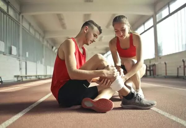 Common Tips & Methods for Preventing Sports Injuries