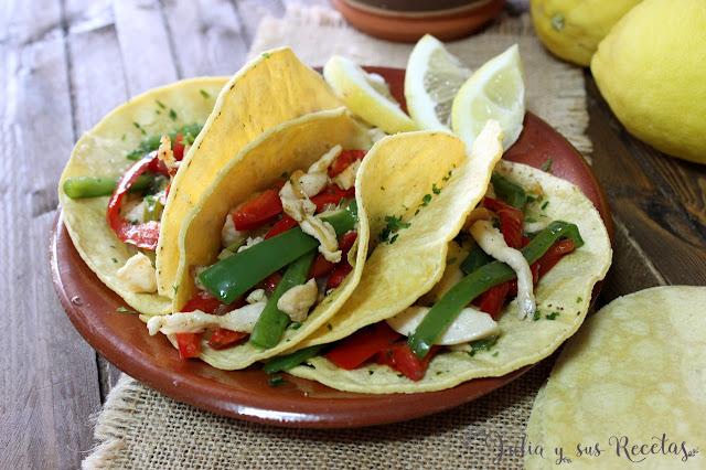 Tacos de pollo y pimientos. Julia y sus recetas