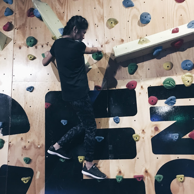 bounce singapore - rock wall