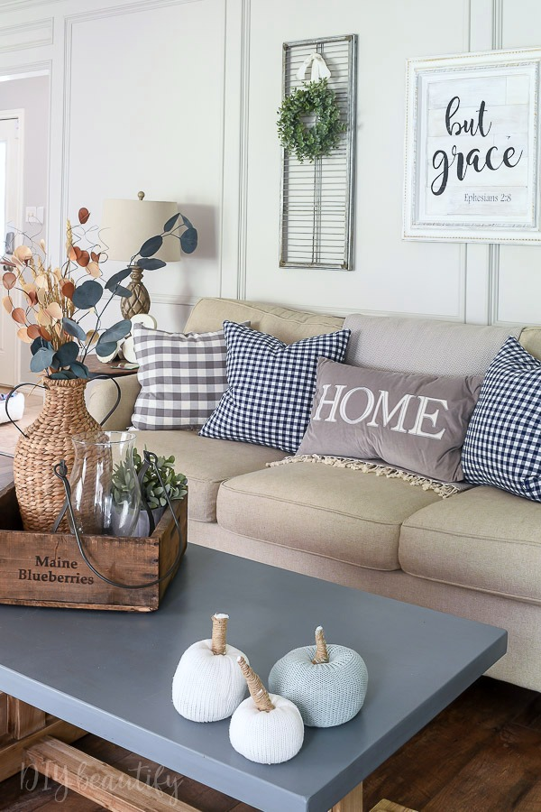 simple farmhouse fall decor