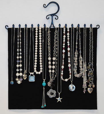 jewelry hanger for necklaces