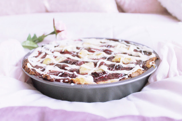 Vanilla Cherry Valentines pie blog recipe