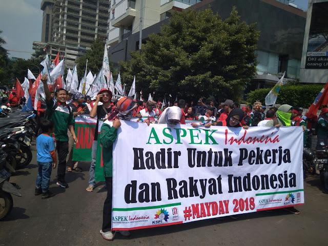 Aksi Buruh longmarch ke kawasan Istana Negara di May day 2018