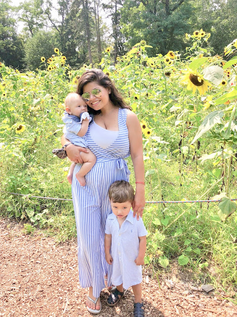 sunflowers, sunflower maze, august, summer, end of summer, photo shoot, mommy and me