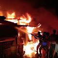 Kebakaran Terjadi Di Jalan Mappatoba Benteng Utara
