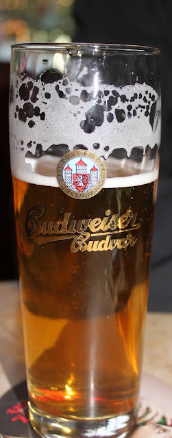 eli aito ja alkuperäinen Budweiser-olut