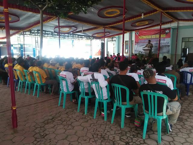 KodimKaranganyar - Aktif Babinsa dan Bhabinkamtibmas Monitoring Tahapan Pilkades Serentak Dalam Penyampaian Visi dan Misi