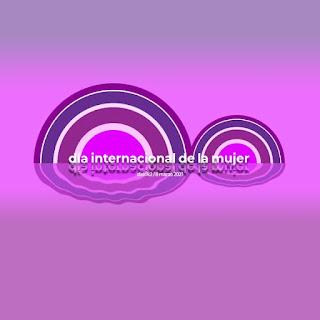 imagen con un ocho reflejado en mar púrpura