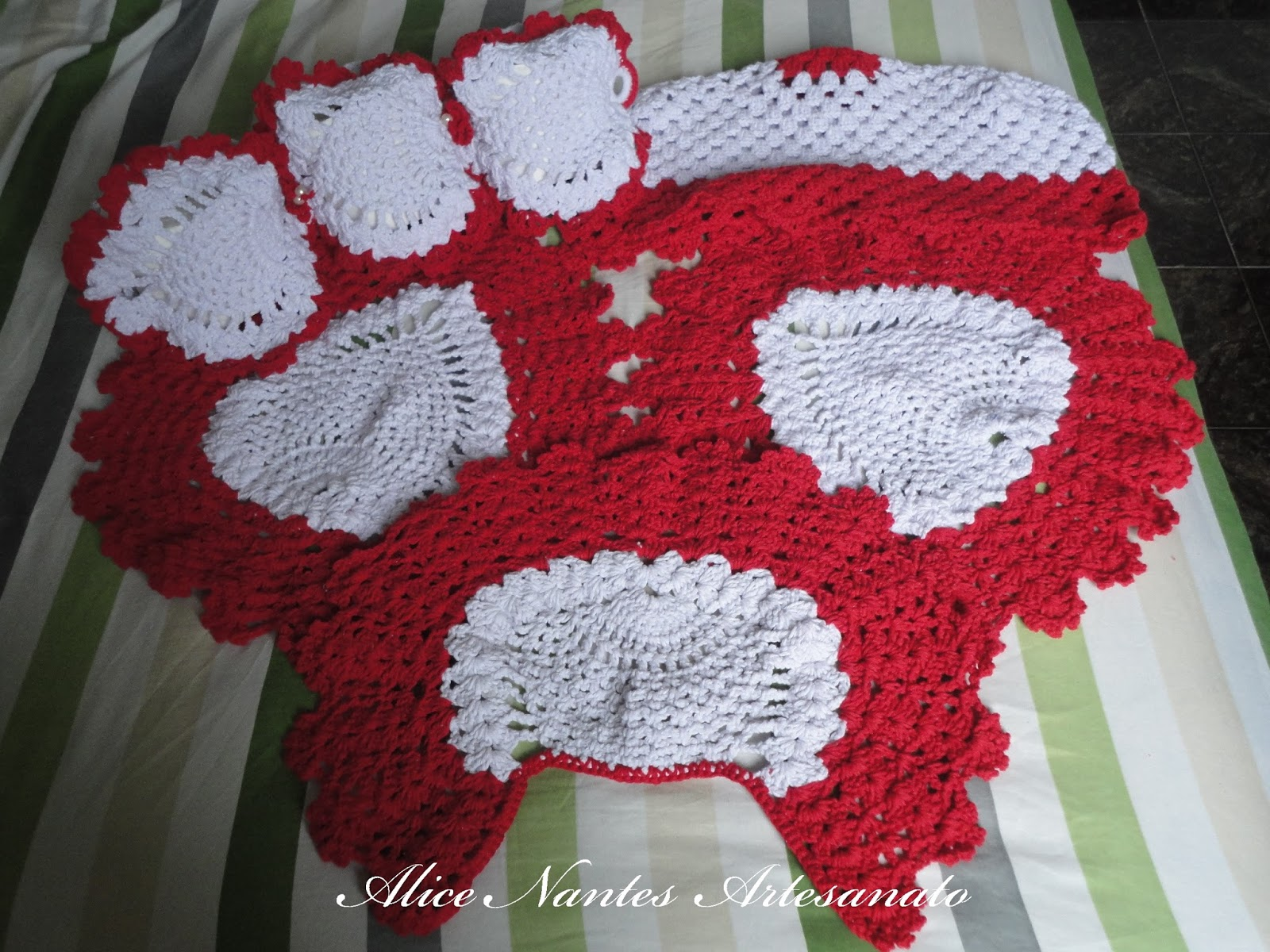 Alice Nantes Artesanato Jogo de Banheiro Vermelho e Branco -> Jogo De Banheiro Pia E Vaso Sanitario