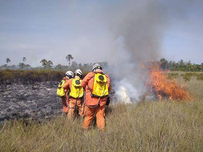 Aeronaves do Governo do Estado reforçam combate aos incêndios florestais na Bahia