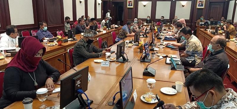 Pemprov Jabar Siapkan Anggaran 15 Triliun Untuk Penanggulangan Wabah Covid-19