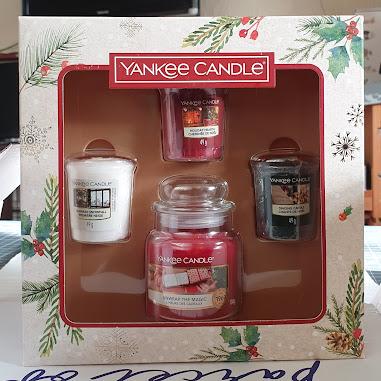 Moonpig Christmas morning Yankee candle set