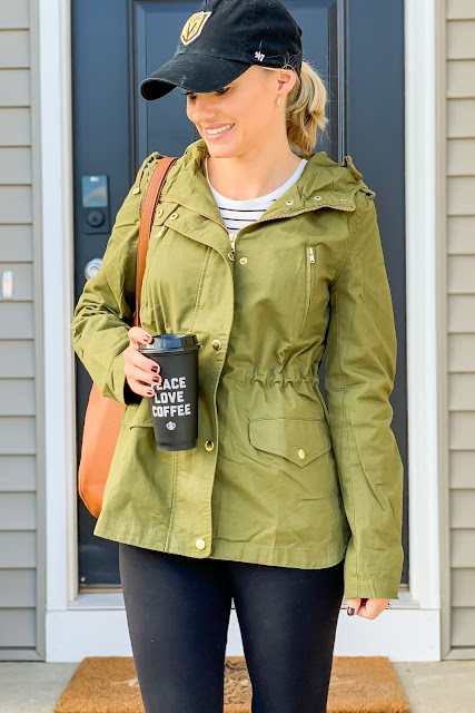 Utility jackets are the perfect fall wardrobe staple #utilityjackets #fall #wardrobestaples