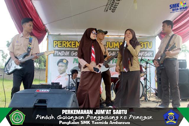 Ekskul Band SMK Yasmida Ambarawa tampil saat perjusa tahun 2019