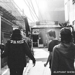 Elephant Show - Black Kungfu (Lirik)
