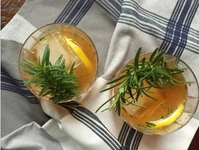 Rosemary Maple Bourbon Sour #drinks #alcohol