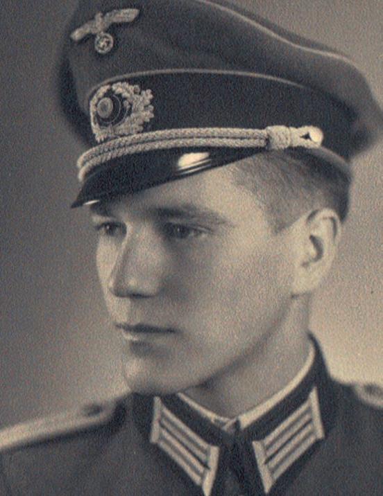 Afbeeldingsresultaat voor luitenant Hans Höller