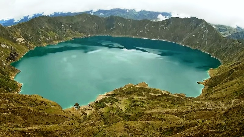 Quilotoa - A turquoise lake within a volcanic crater