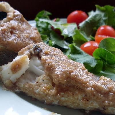 merluza con salsa de avellanas