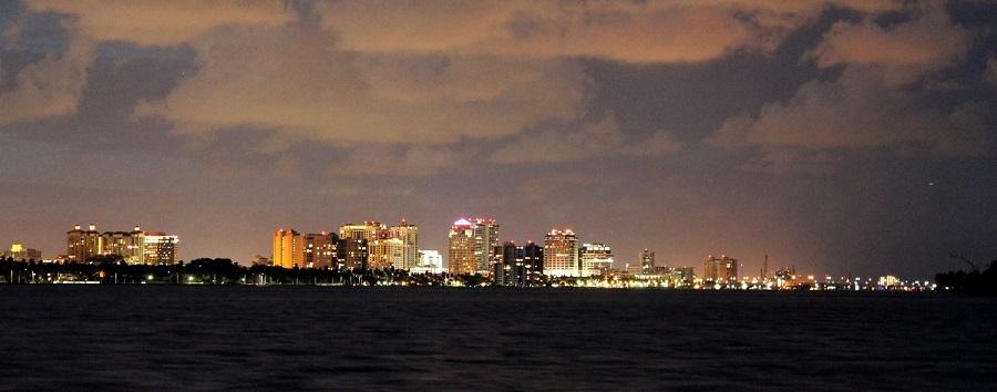 West Palm Beach desde el puente de Southern Blvd