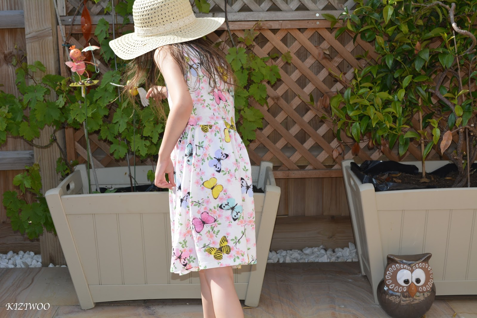 84ae0486095f3 Today s post is featuring Kizzy in her H M Sleeveless Jersey Dresses. H M  currently has an  in-store  offer on these great little summer dresses.