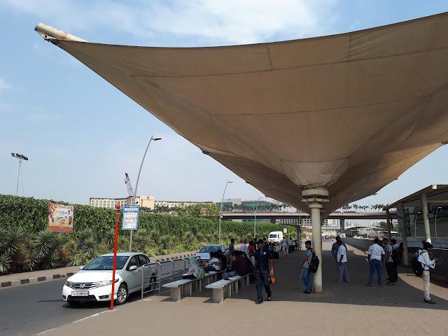 Arrêt de bus de l'aéroport de Bombay