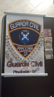 Guarda Civil de Piracicaba detém o vulgo Sacolinha na prática de tráfico de drogas
