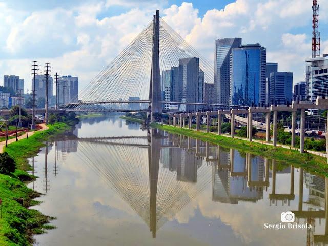 Vista ampla da Ponte Estaiada - Jardim Panorama - São Paulo