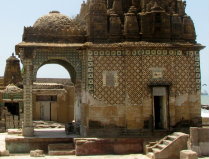 2,000 year old Hindu temple in Karachi now used as toilet for tourists
