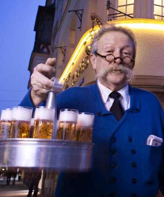 Em Colônia a cerveja vem em copos pequenos