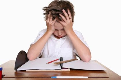 Bagi Raport? Jangan Tambah Depresi Anak
