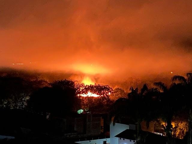 Bombeiros tentam controlar mais um incêndio em Barreiras