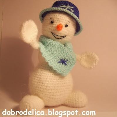 Вязаный снеговик игрушка крючком
