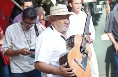 Opinión de la Profesora Nelva Reyes Barahona: Al Jilguero de La Miel: Antonio 'Toñito' Vargas