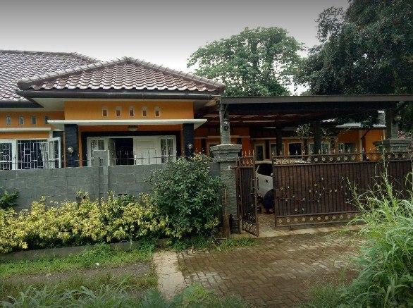 ini adalah foto rumah server pulsa Fathonah pulsa yang ada di Parung Bogor. buat teman-teman yang mau datang ke lokasi lihat saja rumah itu ketuk dan assalamualaikum