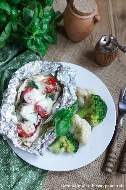 piersi, obiad, kurczak, caprese, mozzarella, dieta, insulinopornosc, bernika, kulinarny pamietnik