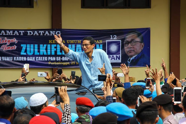 "Timses Jokowi: Kok Bangga Banget Sandiaga Lihat ""Chicken Rice"" di Singapura..."
