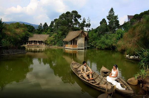 Sapu Lidi tempat wisata kuliner romantis di bandung